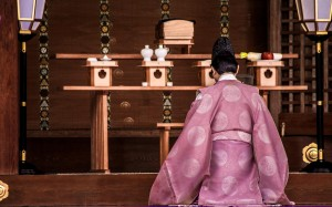 Shinto_Priest
